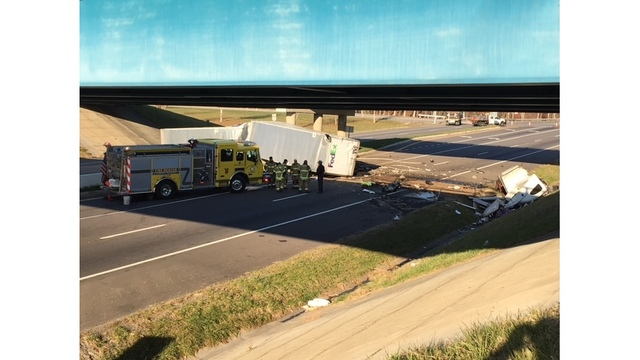 IMG_2189 -- overturned tractor trailer_443902