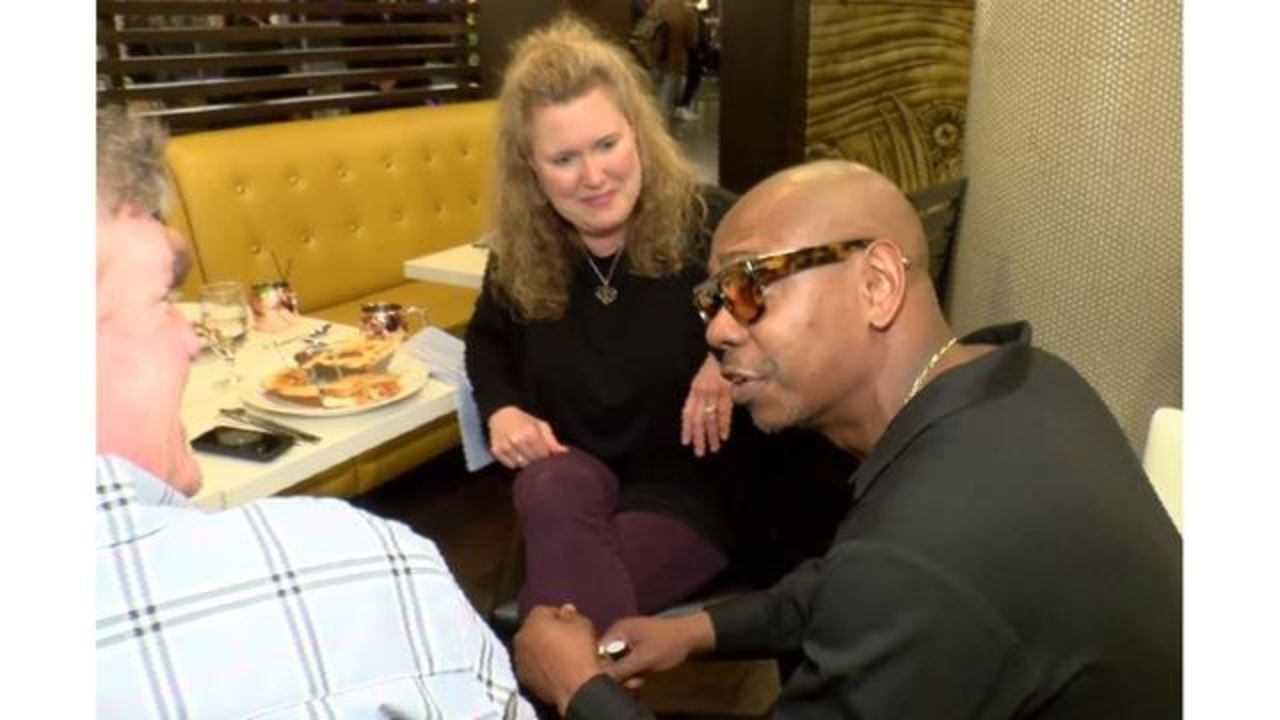 Dave Chappelle Hand Delivers Tickets To Nc Couple Who Were Scammed